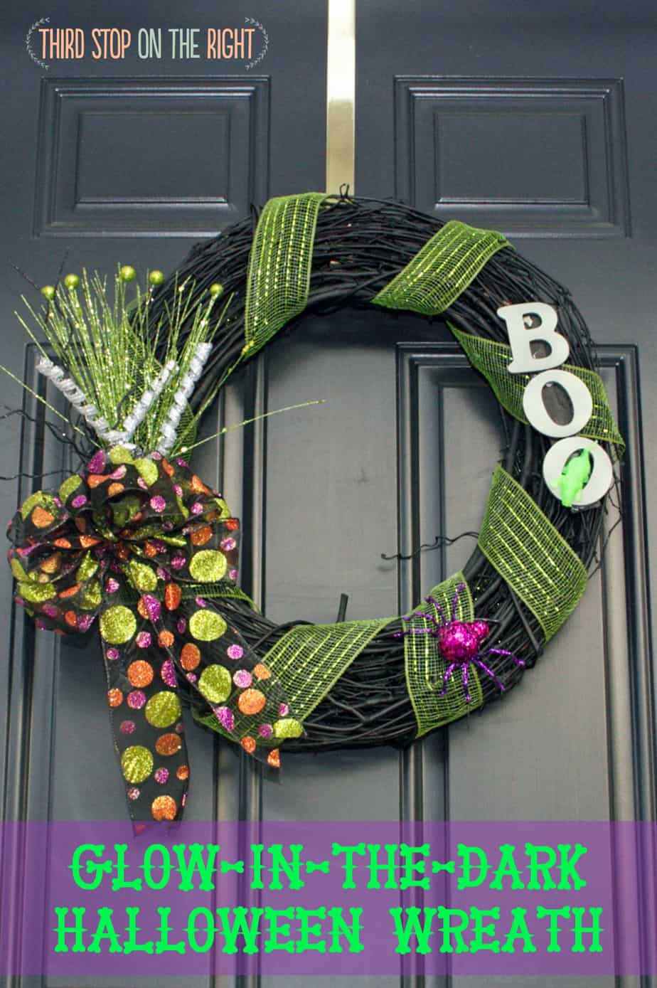 Easy to Make Glow-In-The-Dark Halloween Wreath| Third Stop on the Right