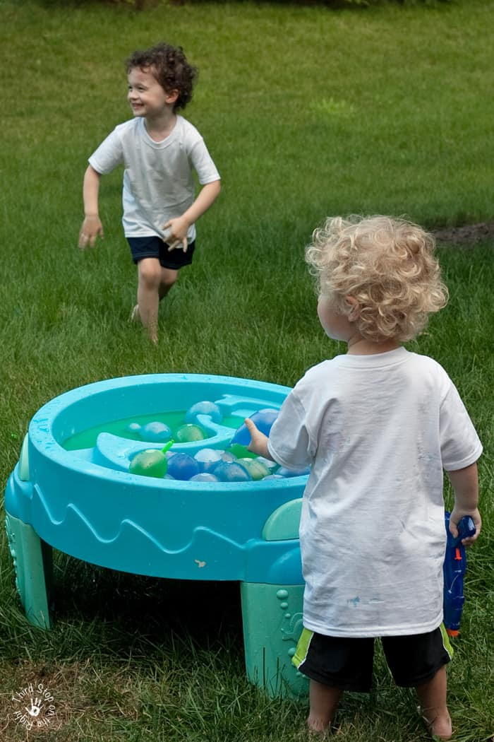 WaterBalloonFight