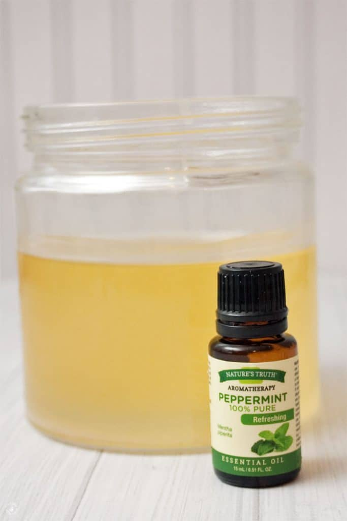 meltedwaxwithessentialoil
