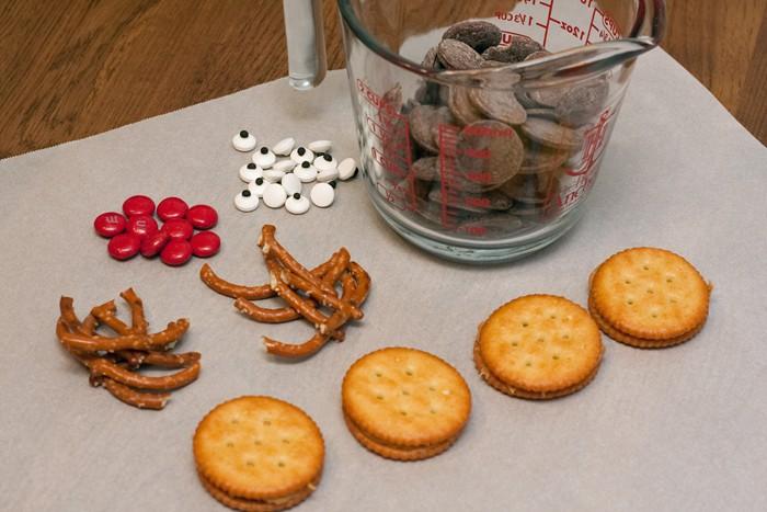 reindeersandwichcrackersupplies