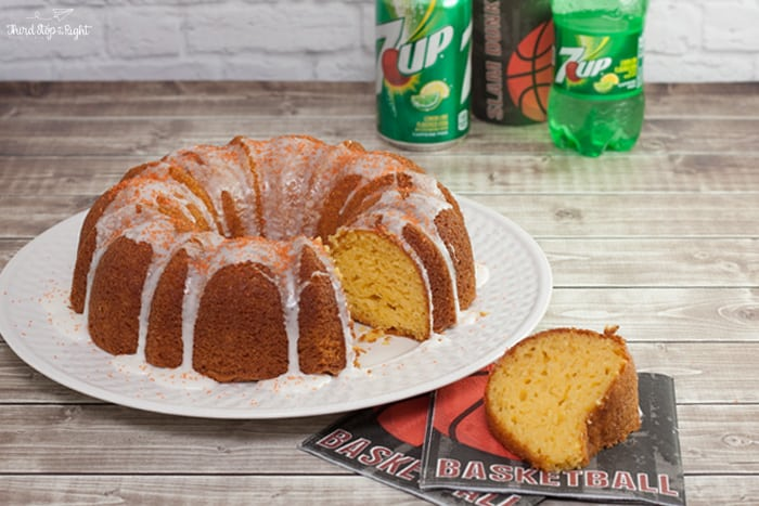 BasketballBundtCake_with7UP
