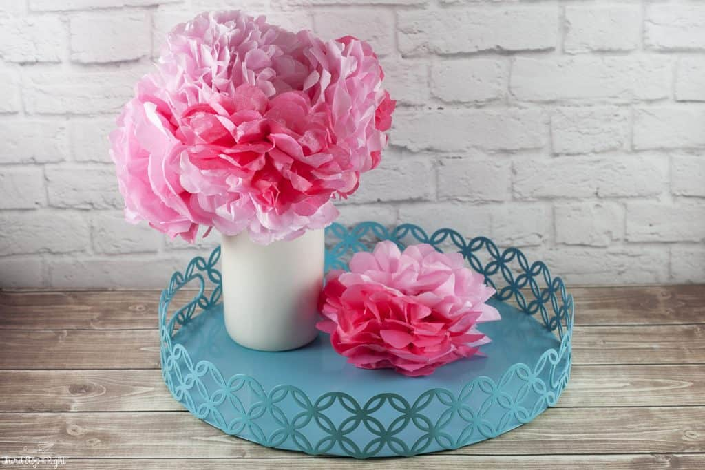 Making Tissue Paper Flower Bouquets| Third Stop on the Right