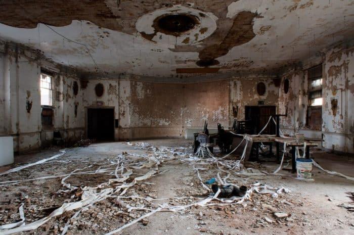 Inside the Ballroom of the Penn-Lincoln Hotel