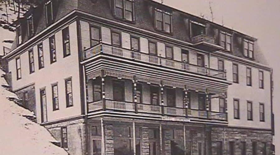 Apollo's Belvedere Hotel