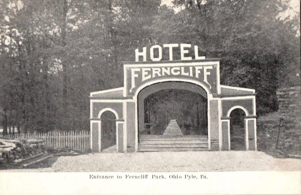 Hotel Ferncliff Entrance