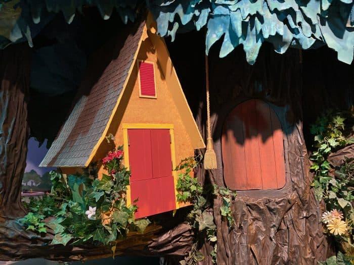Mister Rogers Neighborhood tree